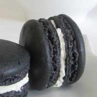 Black Sesame Macaron in waiting